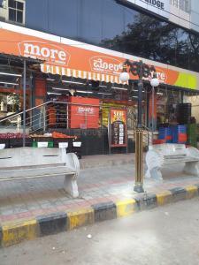 केबीजी प्रणाम सुनन्दा रेसिडेंसी में खरीदने के लिए 0 - 920.0 Sq.ft 2 BHK अपार्टमेंट सामान / सुपरमार्केट  की तस्वीर