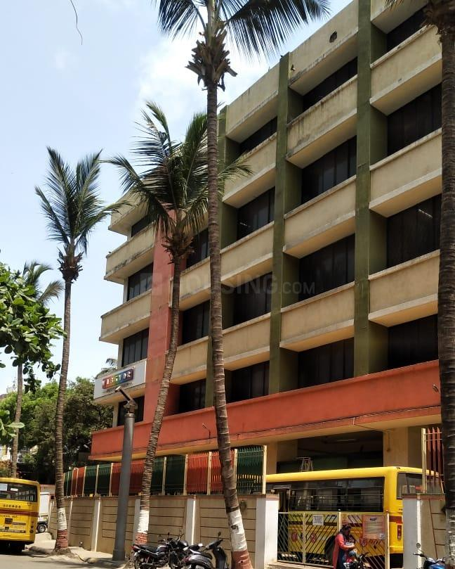 Schools & Universities Image of 300 Sq.ft 1 BHK Apartment for buy in Malad East for 3400000