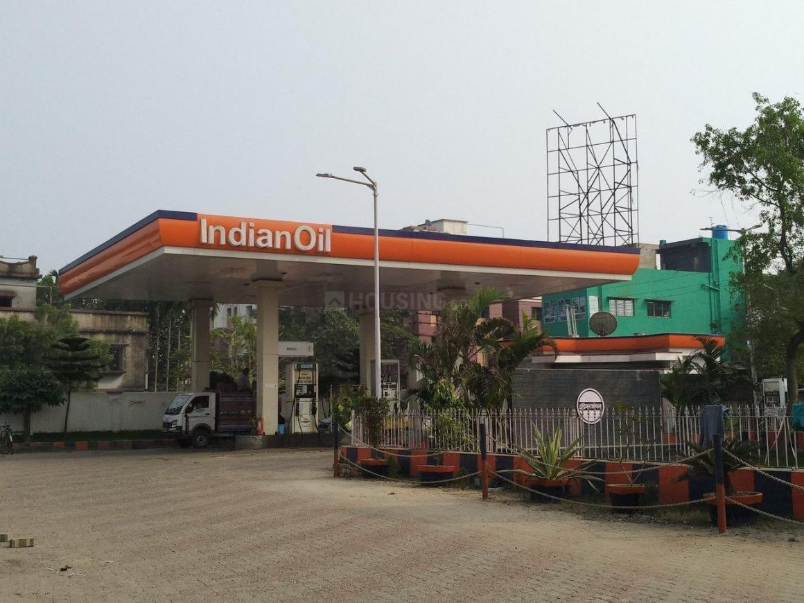 Petrol Pumps Image of 794 Sq.ft 2 BHK Apartment for buy in Saha Para for 2400000