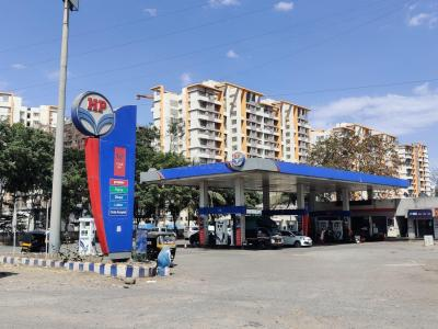 Petrol Pumps Image of 642.0 - 935.0 Sq.ft 2 BHK Apartment for buy in 5 Star Royal Entrada Phase II