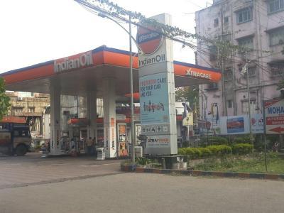 Petrol Pumps Image of 694 - 1188 Sq.ft 2 BHK Apartment for buy in Basu And Hazra Ananda Niketan