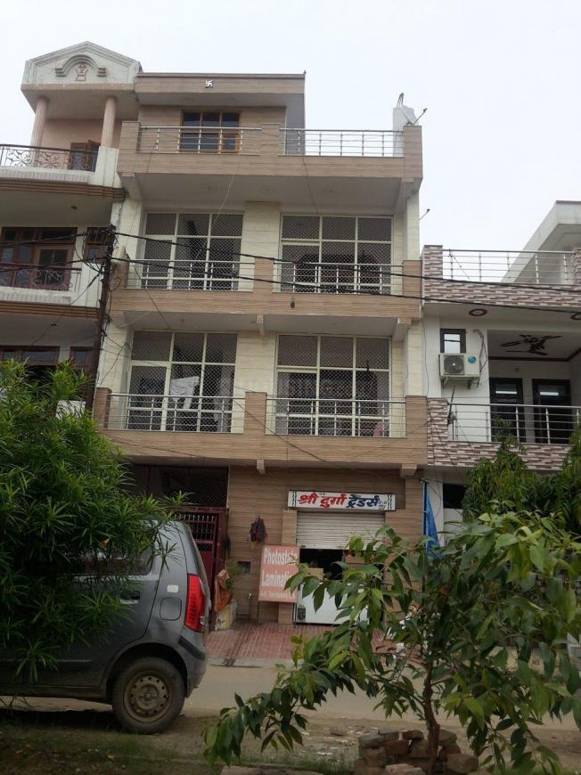 Groceries/Supermarkets Image of 550 Sq.ft 1 BHK Apartment for buy in Govindpuram for 985555