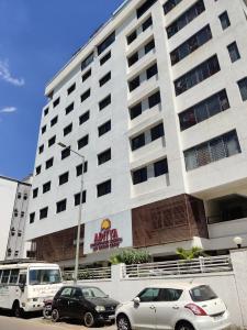 Hospitals & Clinics Image of 717.09 - 2314.35 Sq.ft 3 BHK Apartment for buy in Vivanta Vantage Twenty One