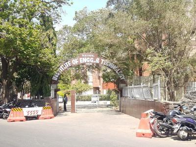 Schools & Universities Image of 600 Sq.ft 1 BHK Apartment for buy in Shankeshwar Palace, Pimpri for 5500000