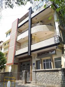 Schools &Universities Image of 1296.0 - 1422.0 Sq.ft 3 BHK Apartment for buy in Pavithra Sangam