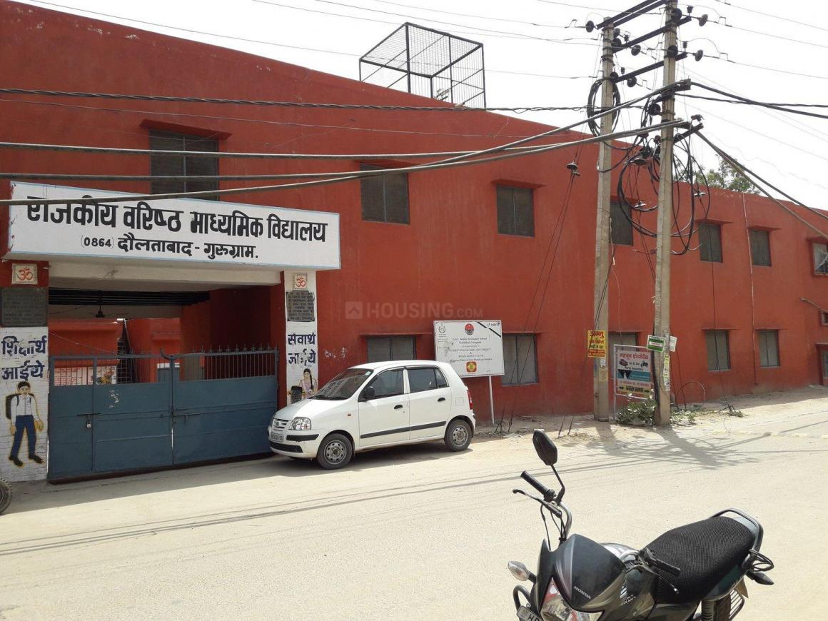 Schools & Universities Image of 350 Sq.ft 1 RK Apartment for buy in Sector 103 for 800000
