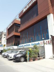 Schools & Universities Image of 1800 Sq.ft 3 BHK Independent Floor for rent in South Extension I for 75000