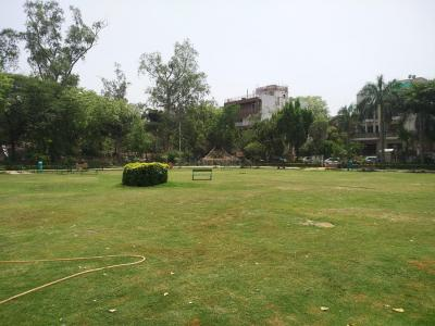 Parks Image of 0 - 3240 Sq.ft 4 BHK Independent Floor for buy in Shalimar Retreat