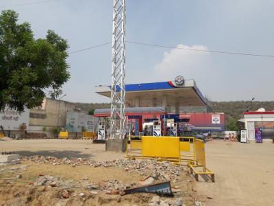 Petrol Pumps Image of 540.0 - 1620.0 Sq.ft Residential Plot Plot for buy in Supertech Sambhav Homes