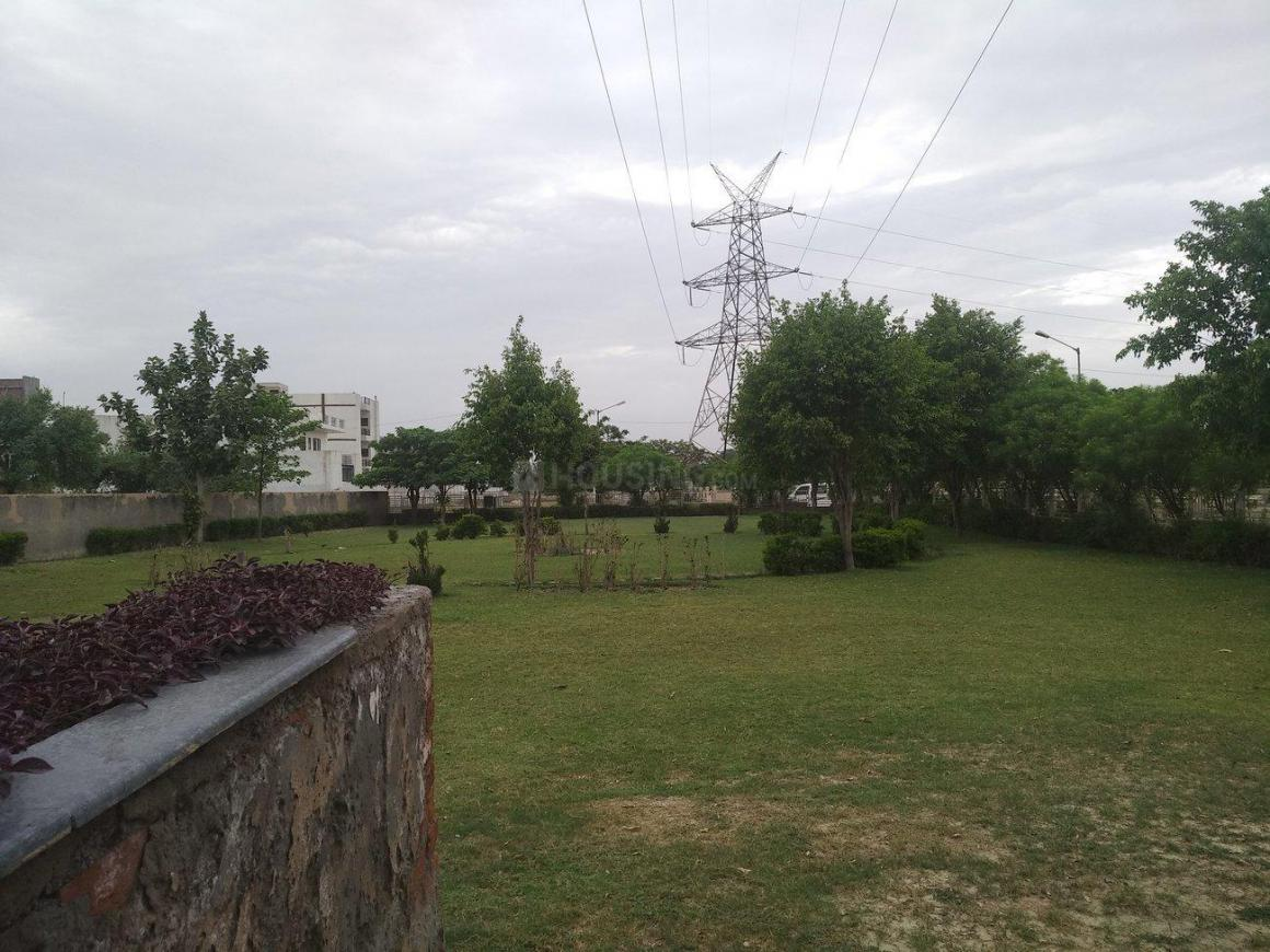 Parks Image of 1050 Sq.ft 3 BHK Apartment for buy in Sector 75 for 2630000