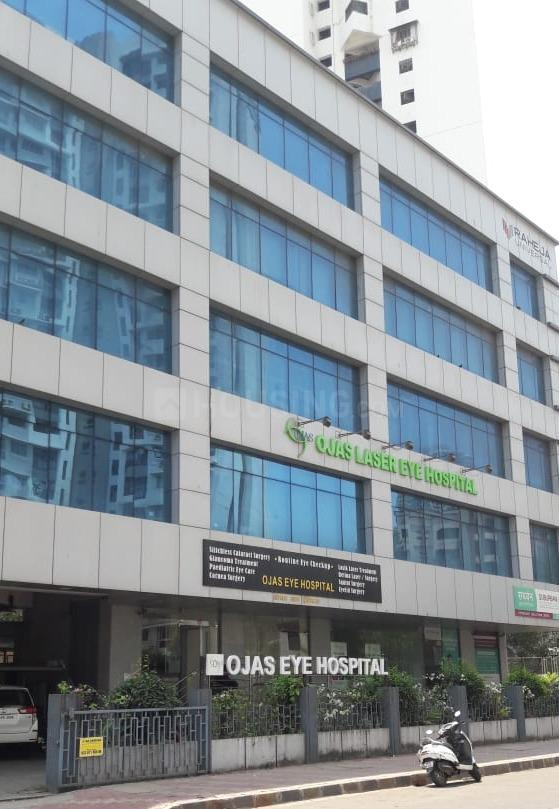 Hospitals & Clinics Image of 560 Sq.ft 1 BHK Apartment for buyin Kandivali East for 15000000