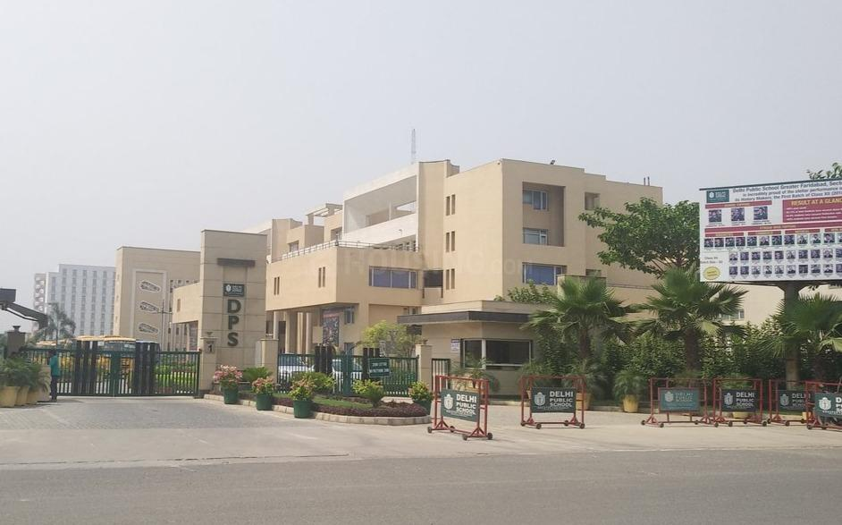 Schools & Universities Image of 540 Sq.ft 1 BHK Apartment for buy in Sector 81 for 700000