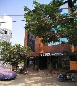 Hospitals & Clinics Image of 738.0 - 1414.0 Sq.ft 1.5 BHK Apartment for buy in Vasavi Majestica