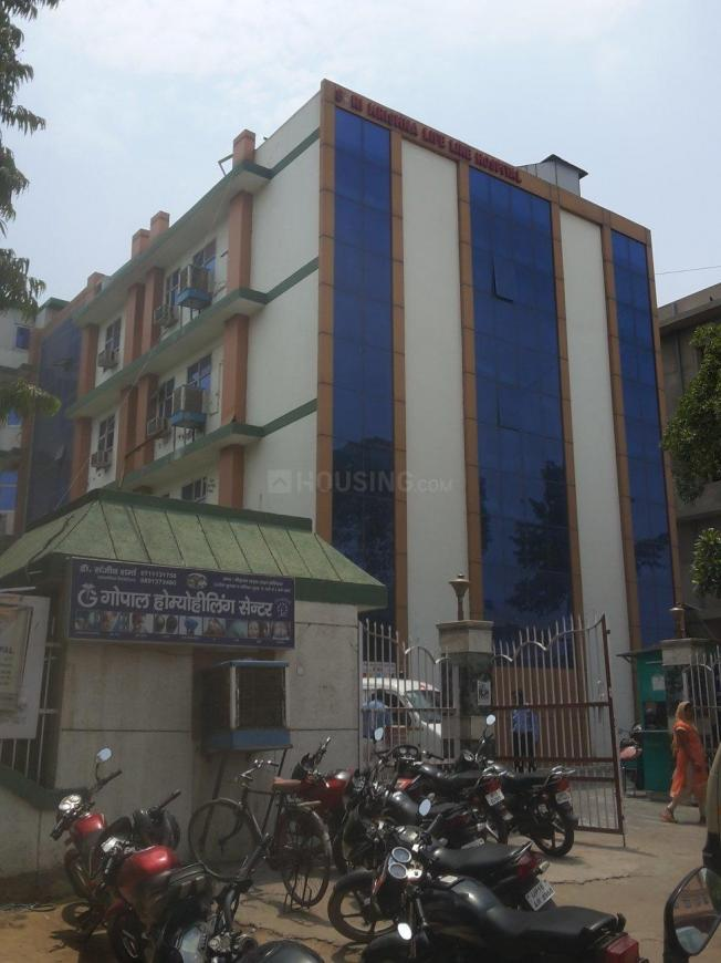 Hospitals & Clinics Image of 2433 Sq.ft 3 BHK Apartment for buyin Sector 31 for 8200000