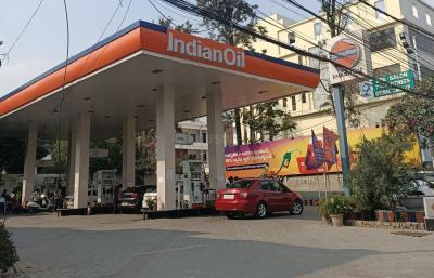 Petrol Pumps Image of 0 - 2900 Sq.ft 3 BHK Apartment for buy in Sri Rams Kaveri