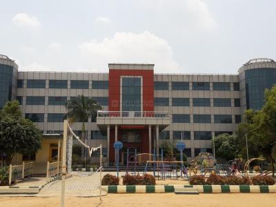 साई आशीर्वाध पैराडाइज़ ब्लॉक 3 में खरीदने के लिए 0 - 1195.0 Sq.ft 3 BHK अपार्टमेंट स्कूलों और विश्वविद्यालयों   की तस्वीर