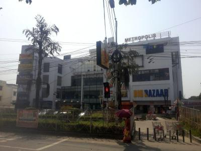 Shopping Malls Image of 900 - 1100 Sq.ft 2 BHK Apartment for buy in Roytech Royal