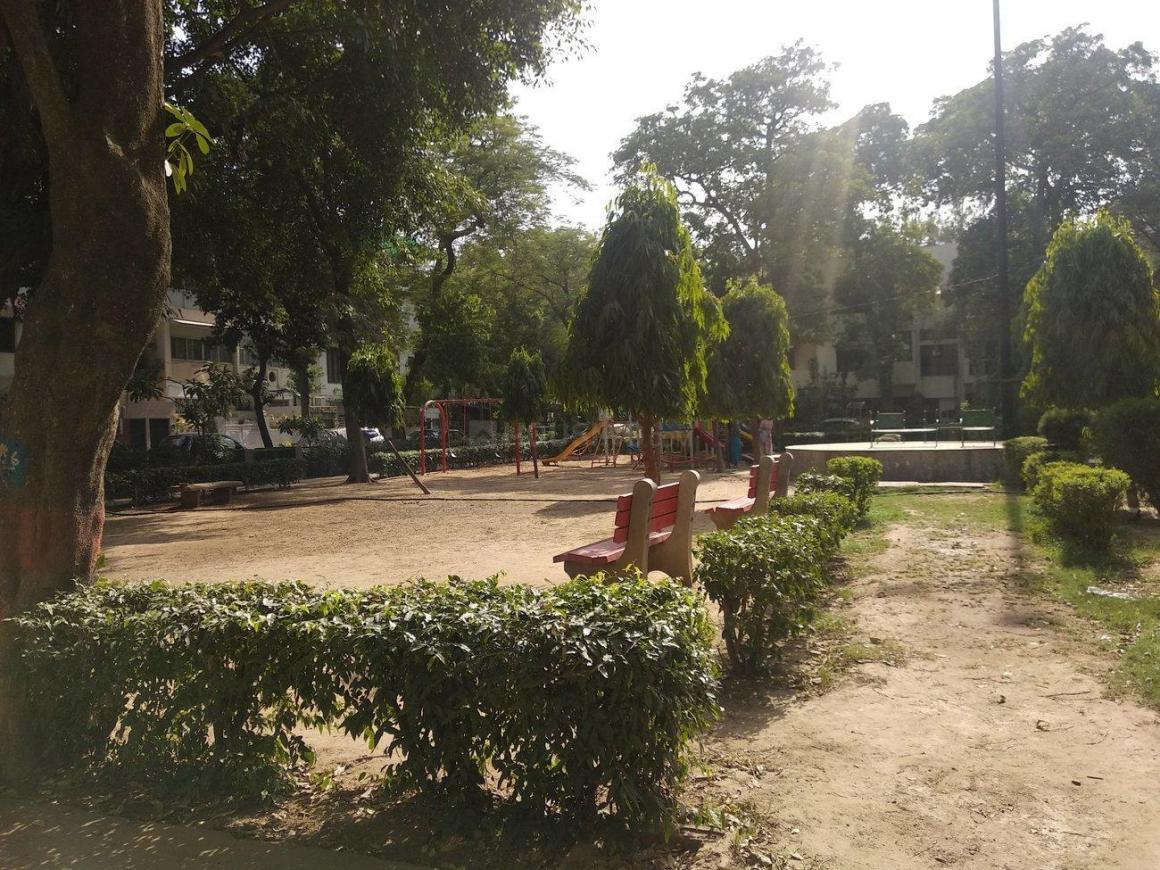 Parks Image of 0 - 750 Sq.ft 2 BHK Apartment for buy in Reputed Queen Apartments