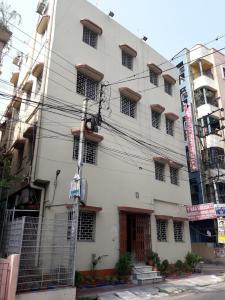 Hospitals & Clinics Image of 1650 Sq.ft 2 BHK Independent Floor for rentin Kaikhali for 15000