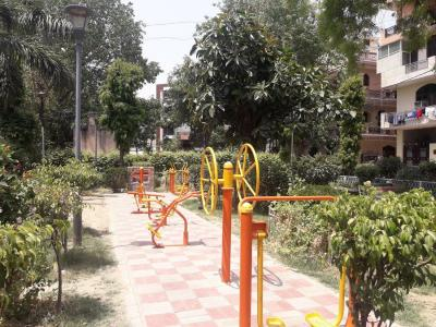 Parks Image of 1000 Sq.ft 2 BHK Apartment for rent in Moti Nagar for 15000