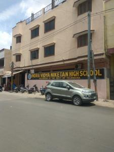 Schools & Universities Image of 15000 Sq.ft 2 BHK Independent House for buy in Lal Darwaza for 25000000