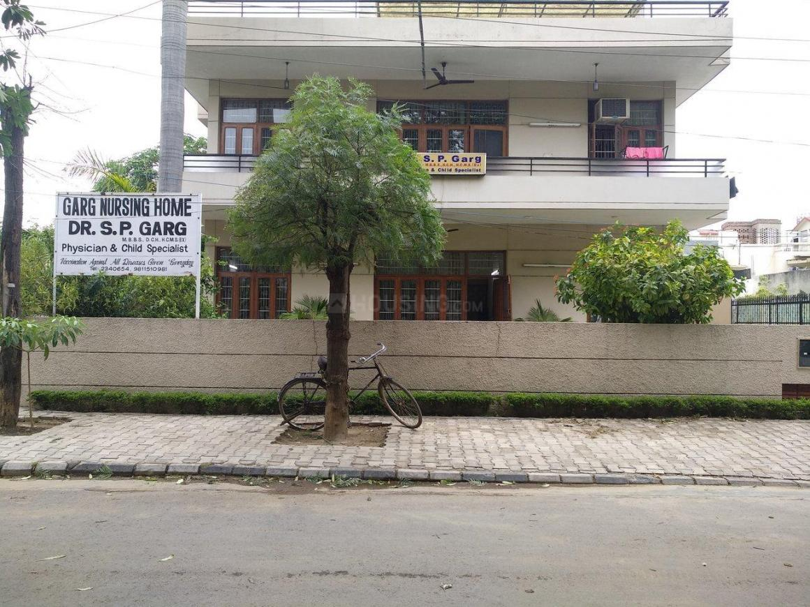 Hospitals & Clinics Image of 450 Sq.ft 1 RK Independent House for buyin Sector 17 for 3000000