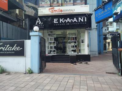 Shopping Malls Image of 3000 Sq.ft 4 BHK Independent Floor for buy in Ekta Ekta Eminente I, Khar West for 150000000