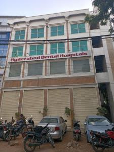 Hospitals & Clinics Image of 1600 Sq.ft 4 BHK Apartment for buyin Banjara Hills for 8500000