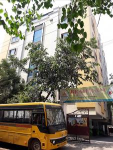 Schools & Universities Image of 800 Sq.ft 2 BHK Independent House for buy in Ameerpet for 15500000