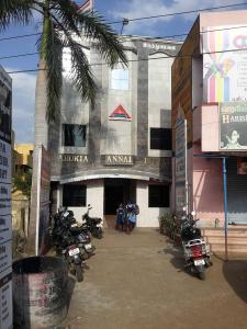 Hospitals & Clinics Image of 927 Sq.ft 1 BHK Apartment for rentin Urapakkam for 11500