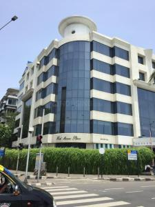 Food & Drinks Section Image of 1550 Sq.ft 3 BHK Apartment for rentin Churchgate for 200000