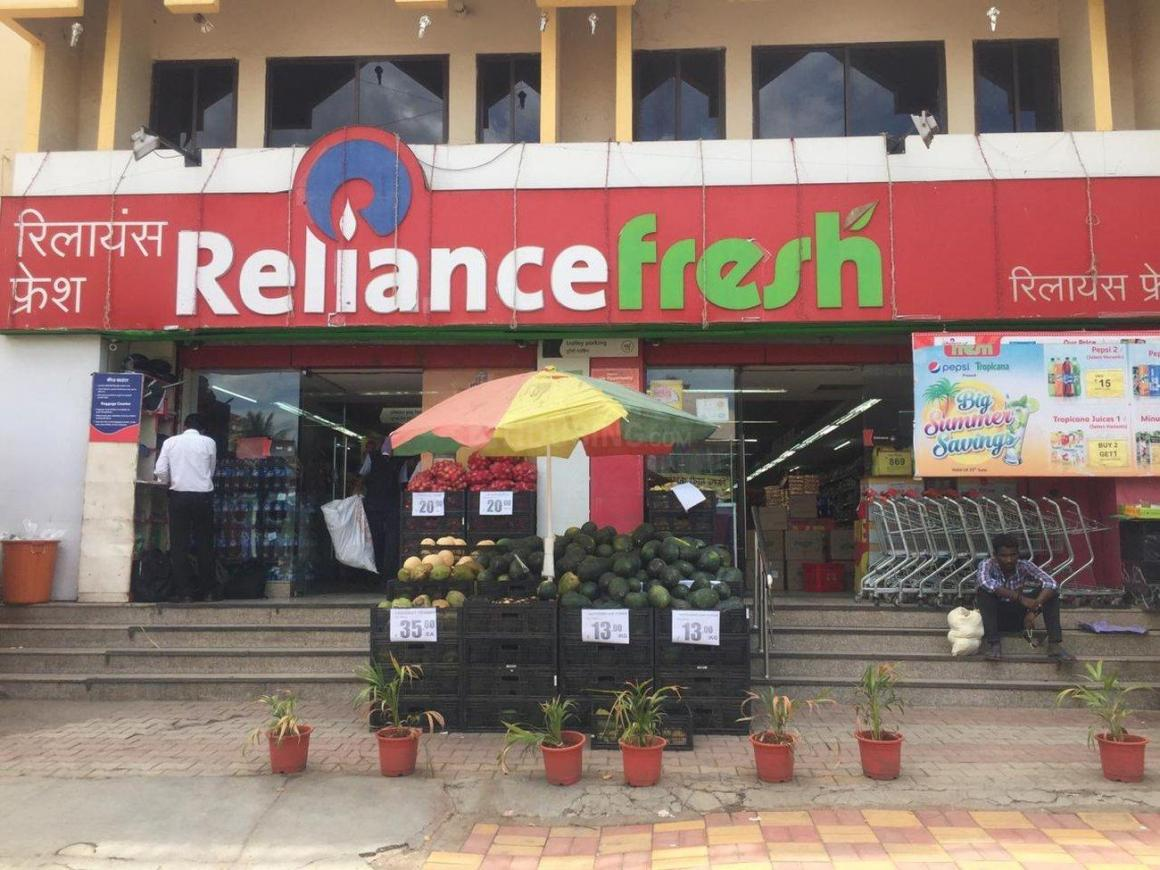 Groceries/Supermarkets Image of 553.05 - 690.72 Sq.ft 1 BHK Apartment for buy in Alcon Rito