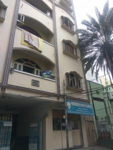 Schools & Universities Image of 300 Sq.ft 1 BHK Independent House for rent in Musheerabad for 6500