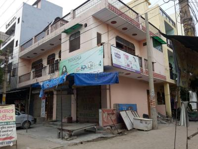 Groceries/Supermarkets Image of 0 - 1000 Sq.ft 2 BHK Independent Floor for buy in Realty Vision/Brij Vihar