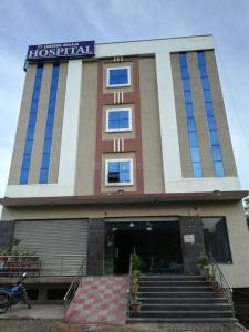Hospitals & Clinics Image of 0 - 2700 Sq.ft 3.5 BHK Villa for buy in ZR Shangrila Villas