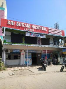 Hospitals & Clinics Image of 1455 Sq.ft 3 BHK Apartment for buyin Sholinganallur for 8000000