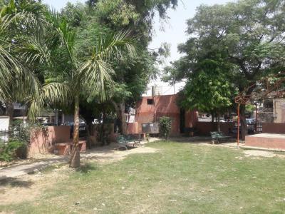 Parks Image of 450 Sq.ft Residential Plot for buy in Naya Ganj for 600000