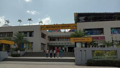 Shopping Malls Image of 537 - 622 Sq.ft 1 BHK Apartment for buy in Charwad Ovi Yuga Residency