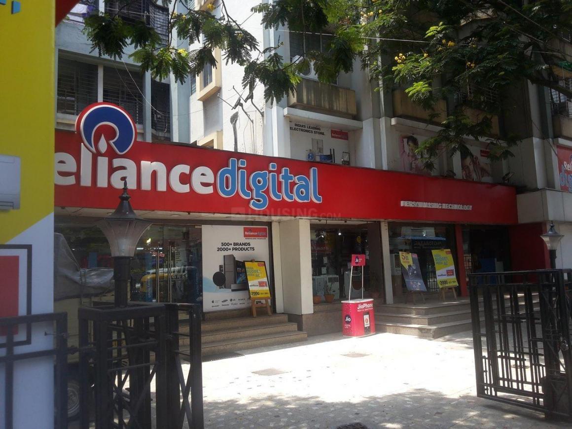 Shops Image of 600 Sq.ft 2 BHK Apartment for buy in Netaji Nagar for 2200000