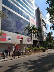 Shopping Malls Image of 325 Sq.ft 1 RK Apartment for rent in Erandwane for 11000