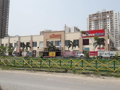 Shopping Malls Image of 0 - 1000.0 Sq.ft 3 BHK Apartment for buy in Iris Executive Tower Co Operative Housing Society