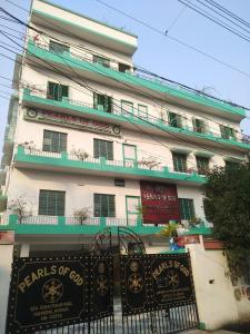 Schools &Universities Image of 743.0 - 804.0 Sq.ft 2 BHK Apartment for buy in M A H Jai Ganesh Apartment 1