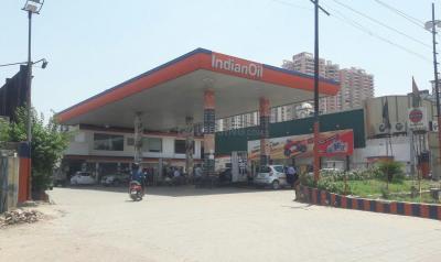 Petrol Pumps Image of 1300 Sq.ft 3 BHK Apartment for rent in Pandav Nagar for 12000