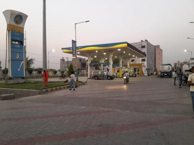 Petrol Pumps Image of 495 Sq.ft 2 BHK Independent House for buy in Lal Kuan for 1650000