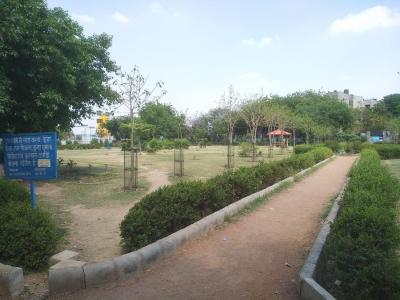 डीडीए ओम अपार्टमेंट में खरीदने के लिए 450.0 - 650.0 Sq.ft 1 BHK अपार्टमेंट पार्क  की तस्वीर