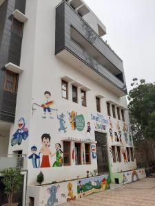 Schools & Universities Image of 765 Sq.ft 3 BHK Independent Floor for rent in Siraspur for 6000