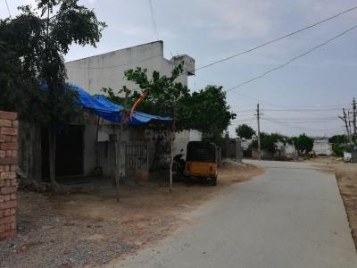 Shops Image of 900 Sq.ft 2 BHK Villa for rent in Mallampet for 11000